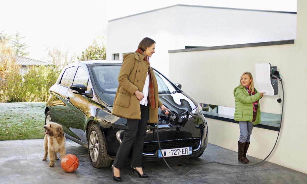 Ny medlemsfordel: EVlink – robust ladeboks fra Schneider Electric