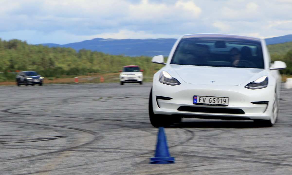 Test av LEAF E+, e-Soul & Model 3: Fri flyt på flystripa