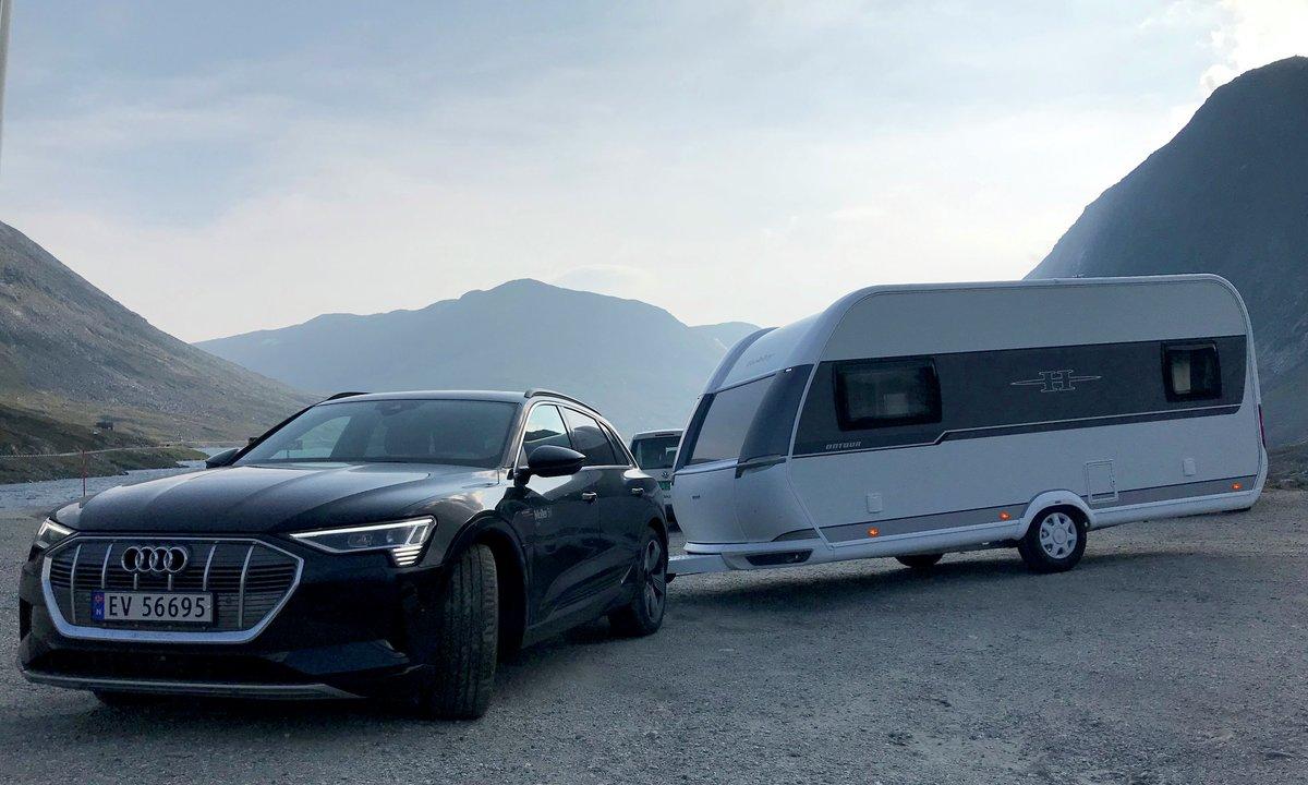 Mercedes-Benz EQC 400 Audi e-tron 55 quattro Tesla Model X Long Range Hobby 460 DL On Tour