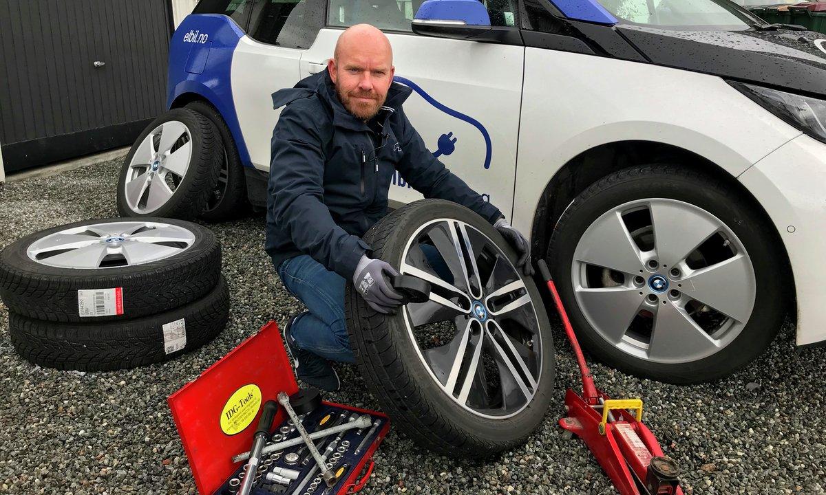 10 tips til elbilister som skal bytte til vinterhjul selv
