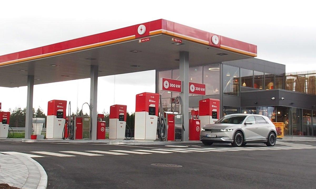 Denne nye Cirkle K-stasjonen har snudd opp ned på begrepet bensinstasjon