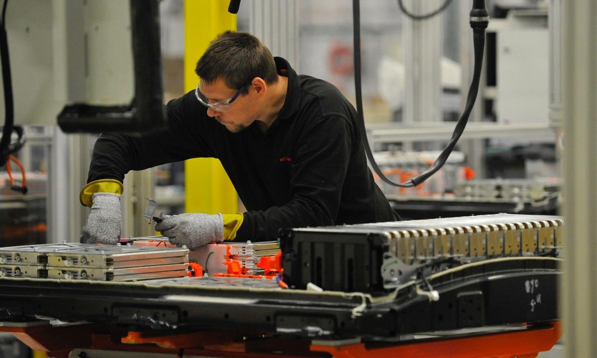Slik produserer Nissan elbilbatterier