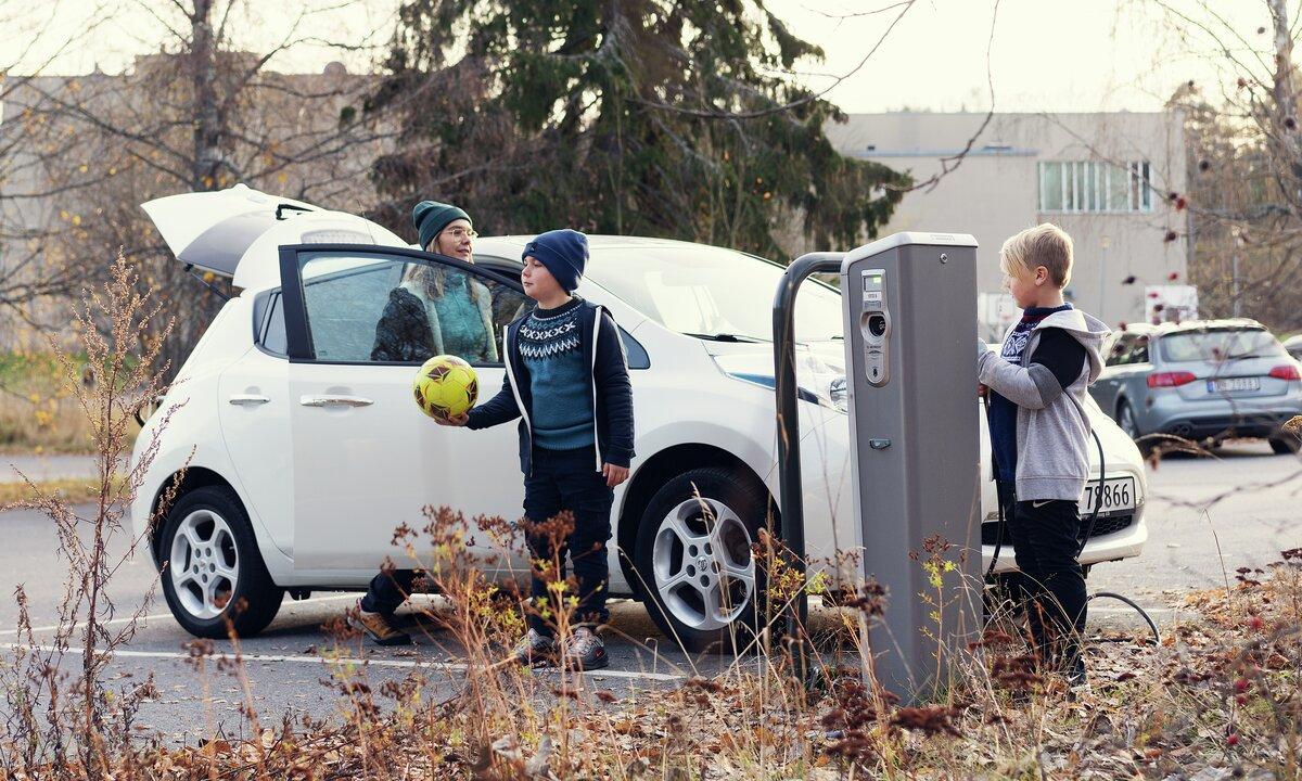 Ny undersøkelse: Så mye sparer du på å velge elbil