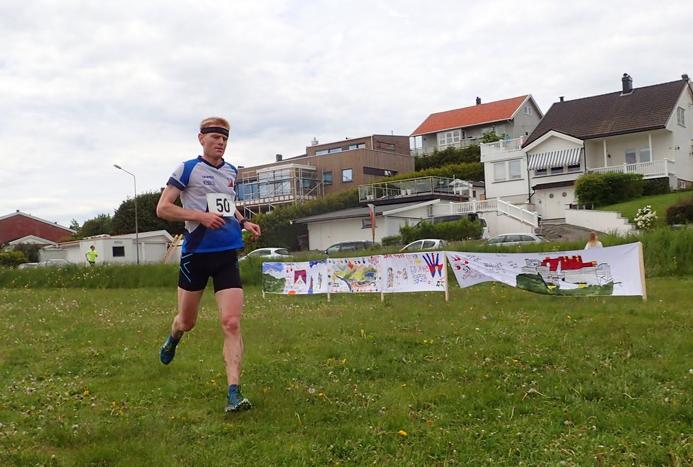 Sigve Vågsnes i Tretoppsløpet på Jeløya 2019