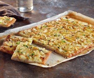 Hvit pizza med poteter, pizza bianco med poteter, potetpizza