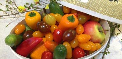 Påskeegg med tomater og paprika