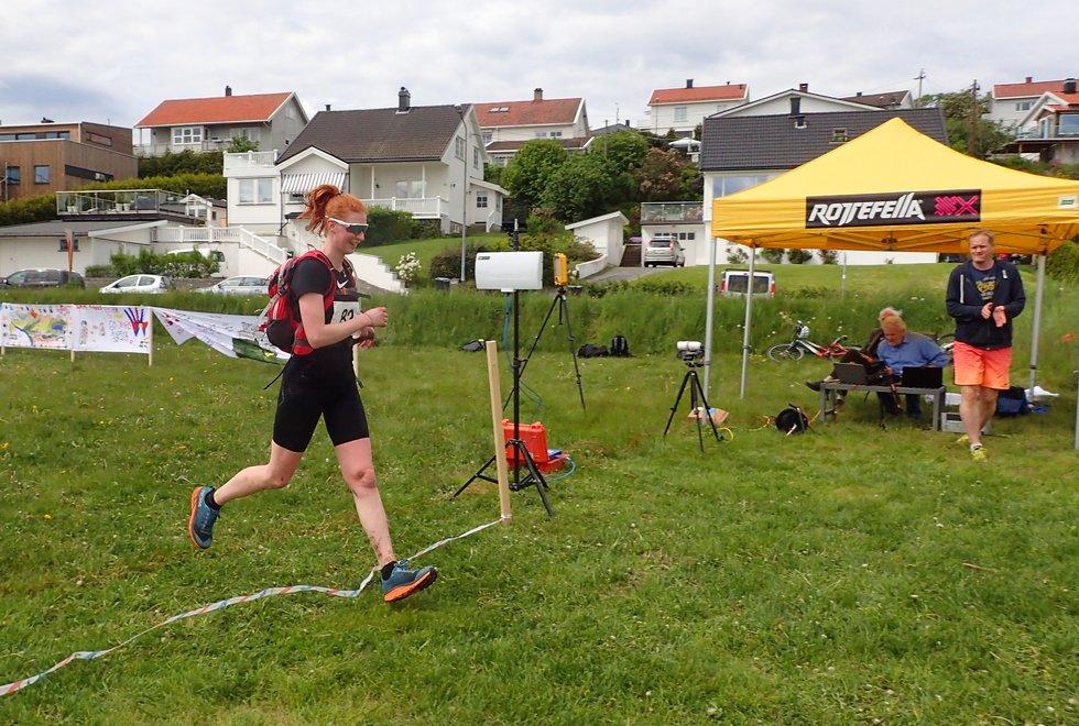 Stine Svoen i Tretoppsløpet på Jeløya 2019