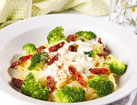 Pasta med brokkolisaus