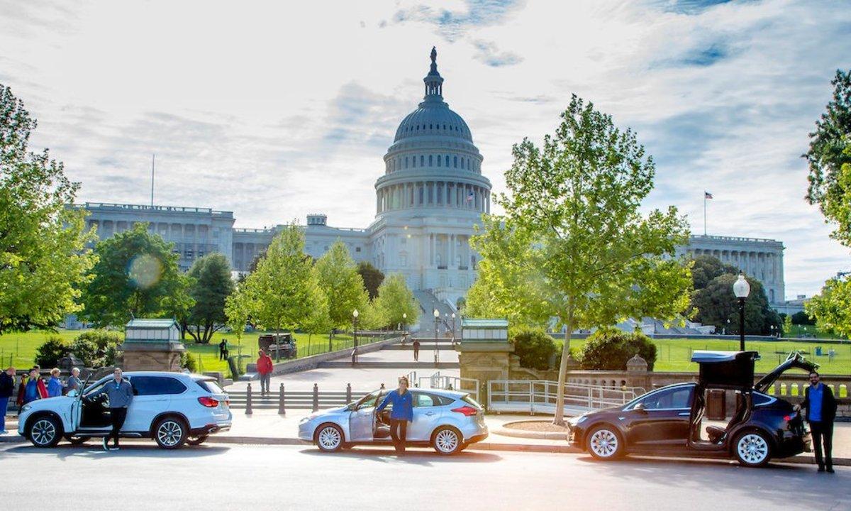 Joe Biden vil ha folket over på elbil: Slik reagerer amerikanerne