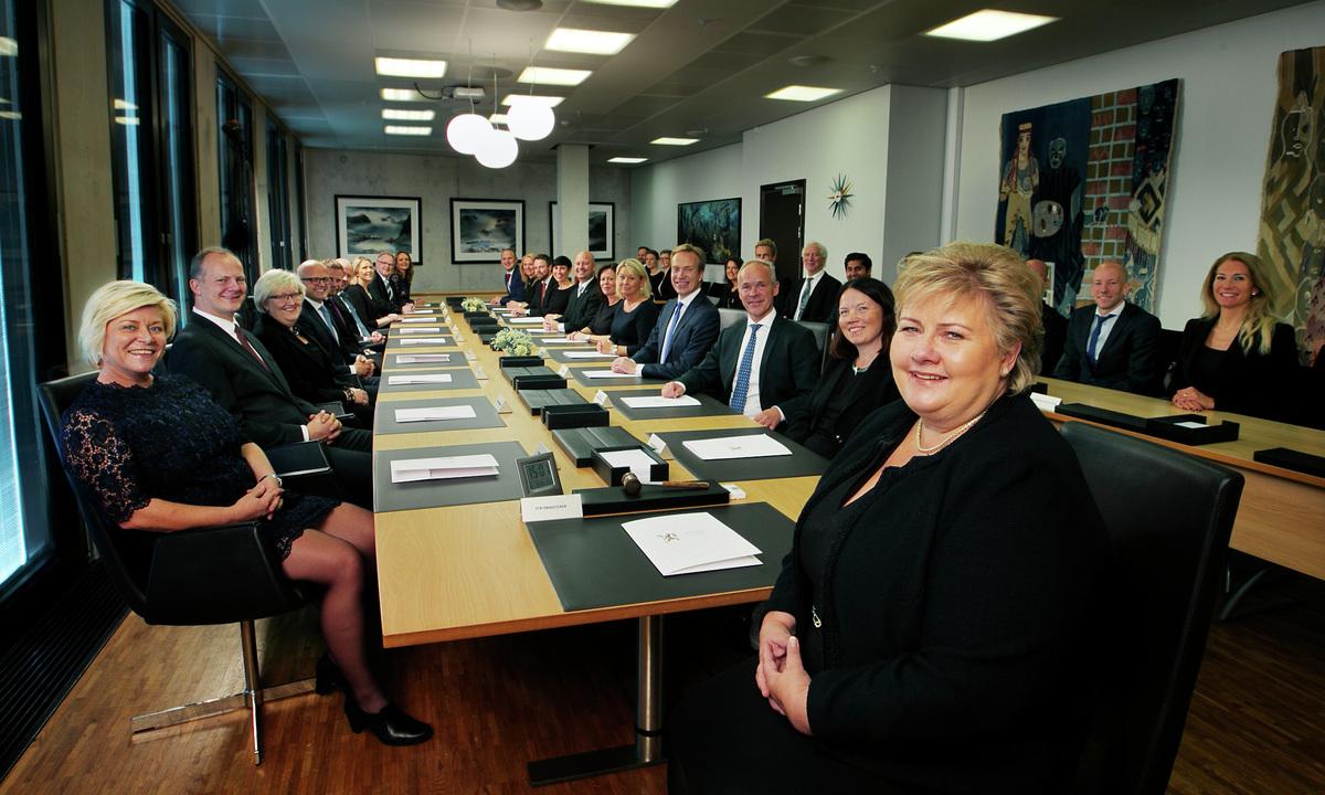 Revidert nasjonalbudsjett: Kjøpsboomen for «juksehybridene» vil fortsette