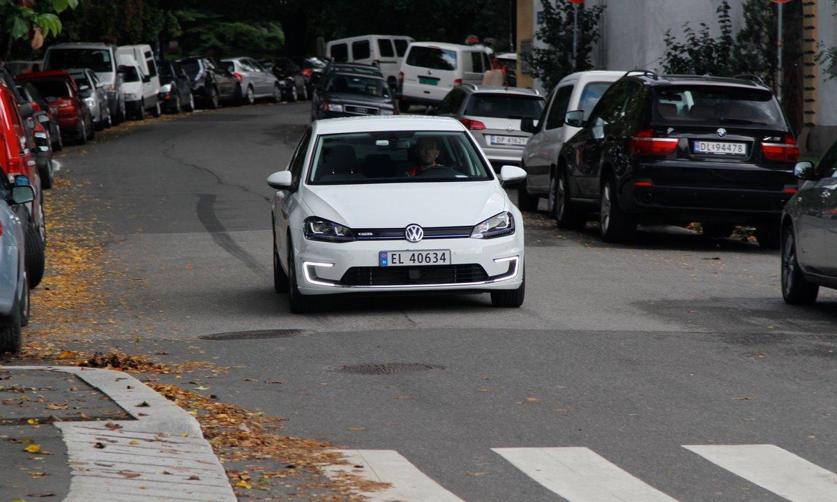 Nye elbiler må lage støy