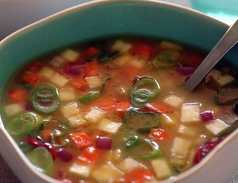 Suppe med rotgrønnsaker i to skåler