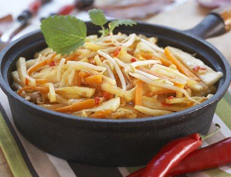 Wok med blandede rotgrønnsaker
