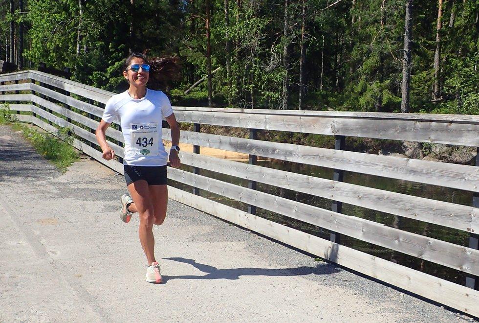 Gloria Vinstedt vant kvinneklassen i Nordmarka Skogsmaraton 2019