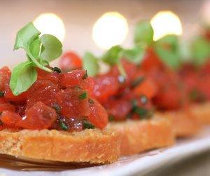 Crostini med tomatconcassé