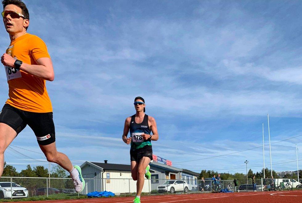Finn Hågen Krogh (fremst) og Mats Håpnes. Mats er trener for Kondistreninga Alta
