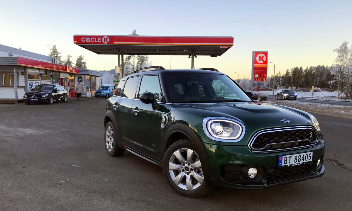 Test av Mini Countryman Cooper S E All4: Elektrisk i kulda?