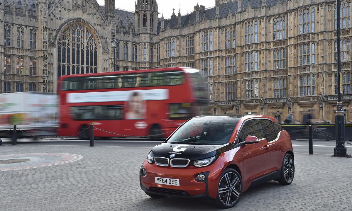 Storbritannia satser stort på lading og førerløse biler