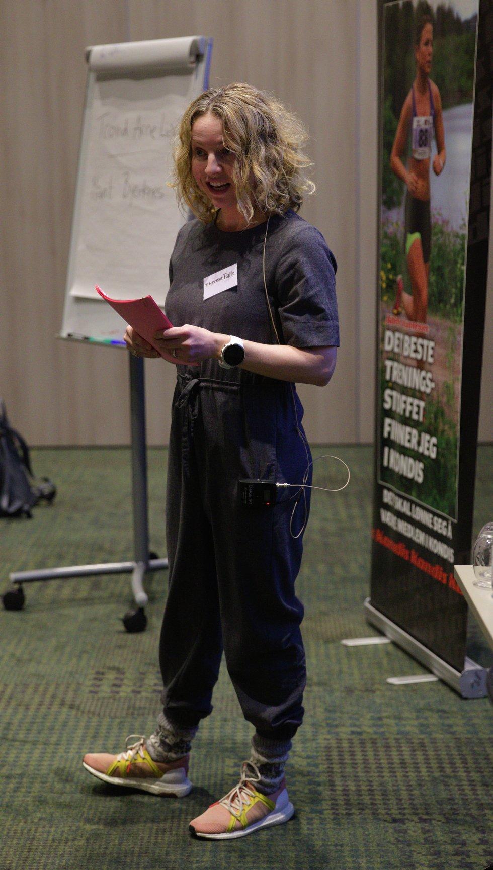 Therese Falk holdt foredrag under Kondis sitt landsmøte 2019