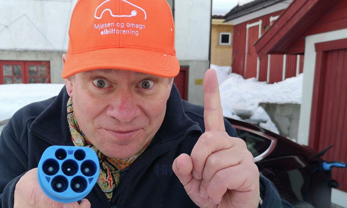 Trubadur Elbilix av Innlandet: – Eg sparar grunkar med strøm på tank