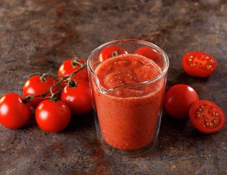 Enkel tomatsaus - til pizza og pasta
