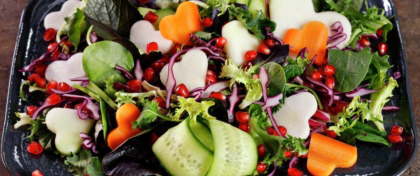 Salat med hjerter til Valentinesdagen