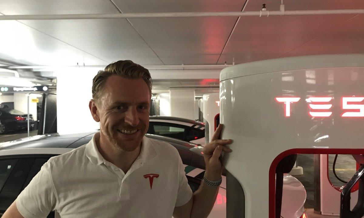 Straks åpner Tesla Oslos første superladerstasjon: Innrømmer at det er på overtid